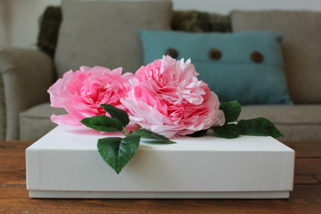 DIY Coffee Filter Flowers (To Make Rose & Peony Gift Toppers)