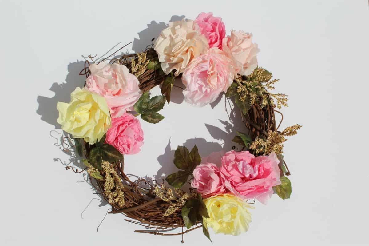 Diy coffee filter flowers to make rose peony gift toppers diy coffee filter flowers 6 izmirmasajfo