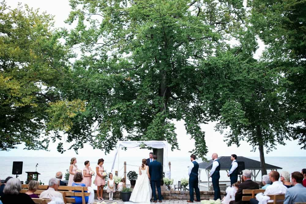 How to Plan a Wedding Outdoors