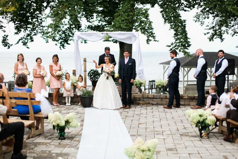 How to Plan an Outdoor Wedding