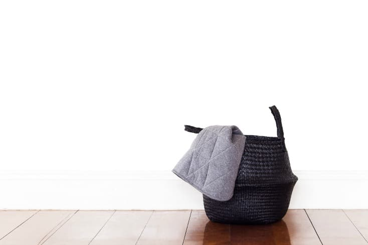 Live More With Less | Minimalism de-clutter